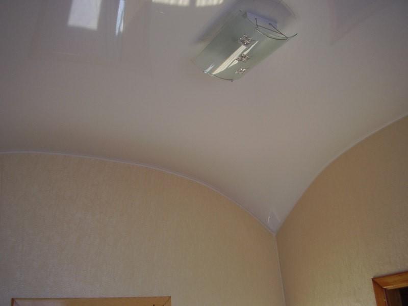 производство натяжных потолков арочной формы воронеж